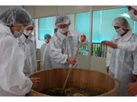 """越後妙高の三銘酒を味わい発酵産業を学ぶ """"美白効果""""の温泉入浴も可能な10時スタートコース"""