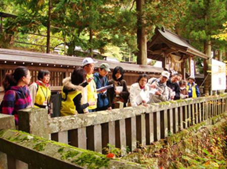 諏訪湖エリアまちなか観光案内人『諏訪大社上社本宮』ガイド