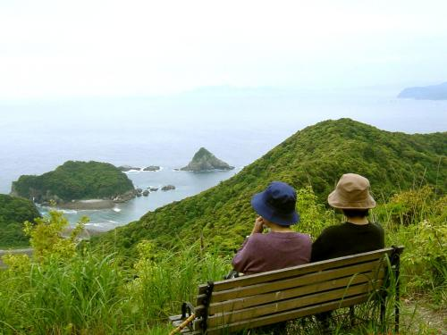 島の絶景トレッキング
