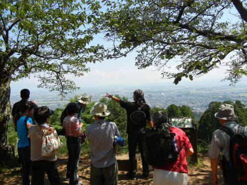 標高180m本丸から見る頸城平野と日本海