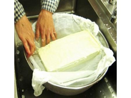 手作りのやさしい味わい 豆腐づくり体験
