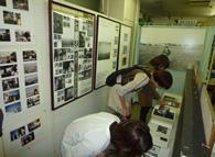 まち歩きツアー/加茂市出身の写真家 牛腸茂雄の生家で写真展を特別開催。