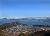 朝日山山頂から瀬戸内海を望む