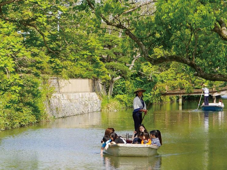 江戸時代に整備された掘割を巡る「お堀めぐり(川下り)」