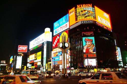 夜間観光地の街並み
