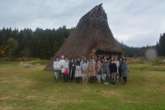 女性にも大人気、縄文文化体験ツアー