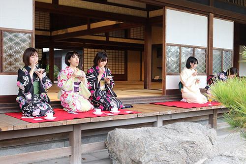 福岡都市圏の20~40代女性向けのモニターツアー