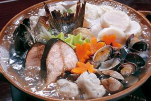 「オホーツク網走ザンギ丼」 「網走モヨロ鍋」